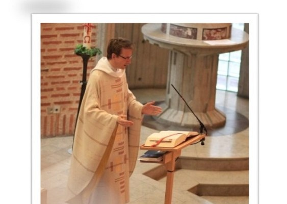 Mass in English, sommar