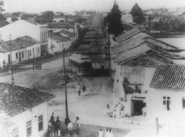 Visão do Largo Treze em 1920.