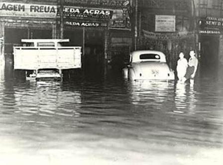 Alagamento na Rua 25 de Março em 1950