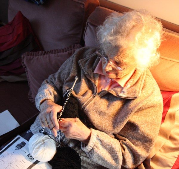 Beryl Carroll (83) will be blogging the knitting of her daughter's Sarah Lund jumper