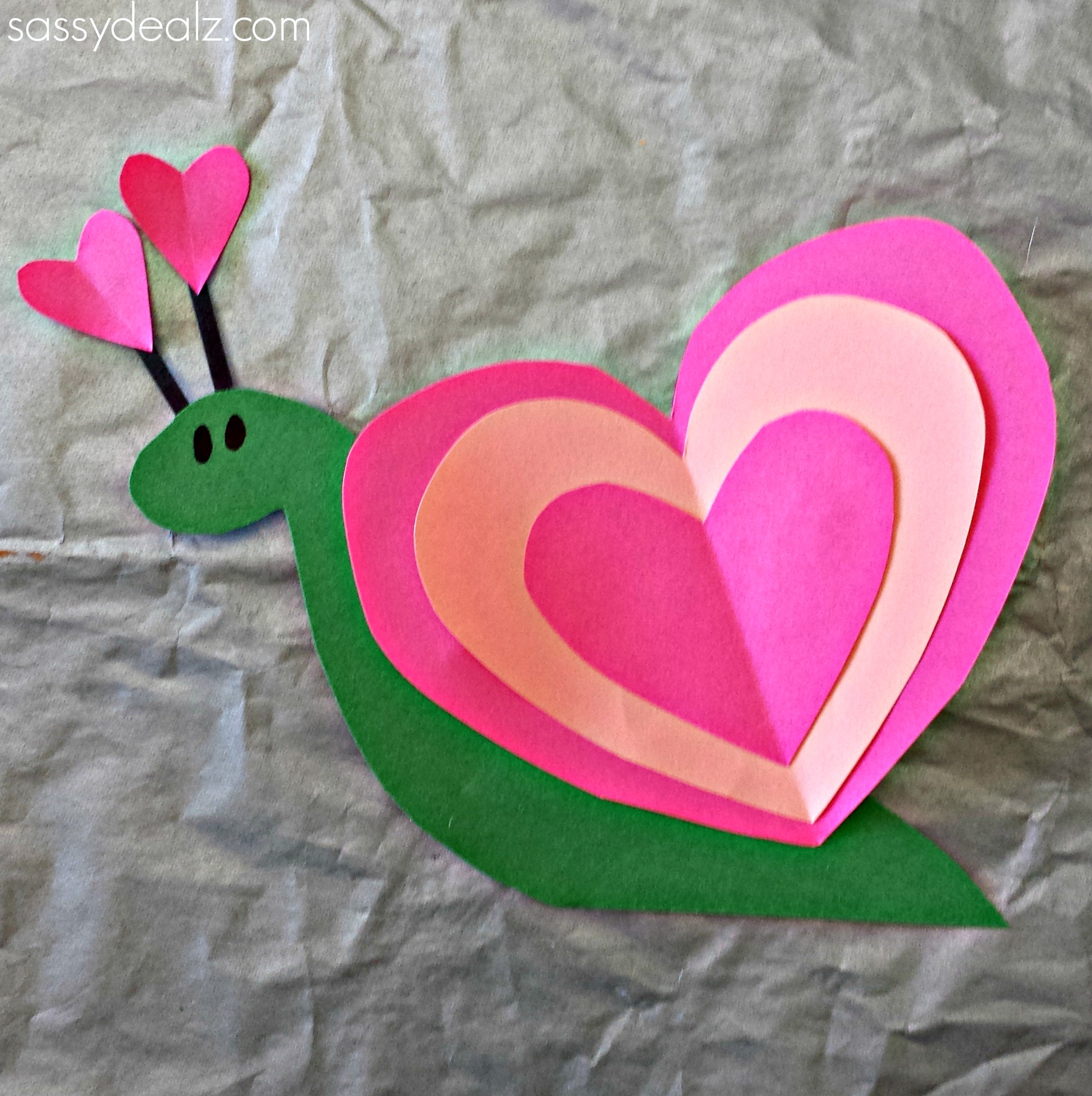 Heart snail craft for kids valentine art project for Valentines crafts for kids
