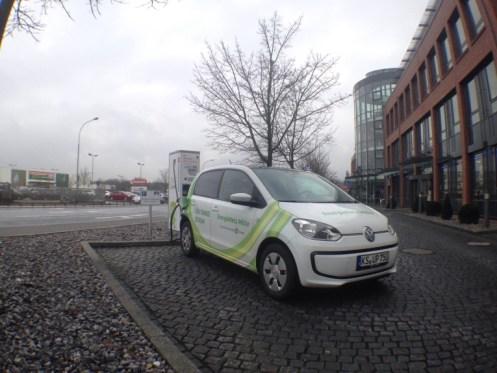 Erster Ladestopp in Gießen - VW e-up!