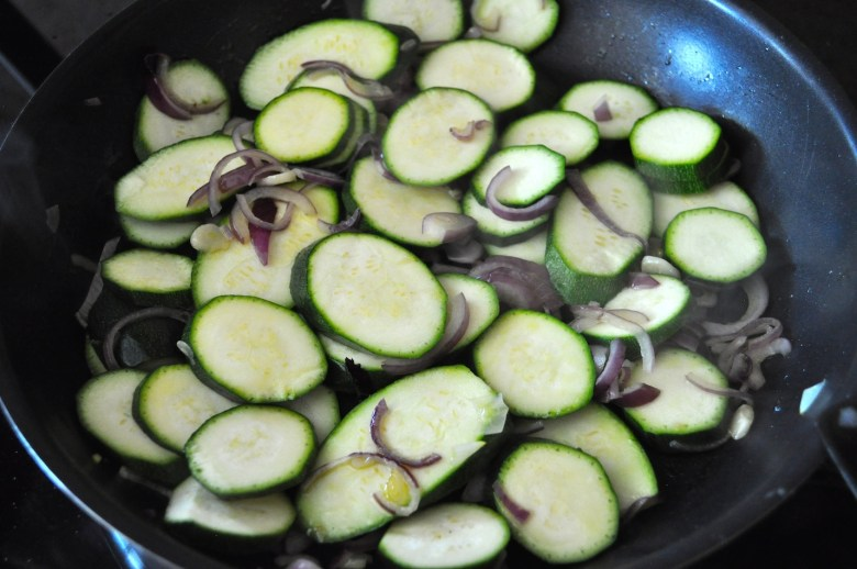 Sautéed zucchini with basil and almonds