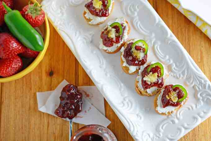 An easy appetizer idea made with 5 ingredients and 10 minutes!