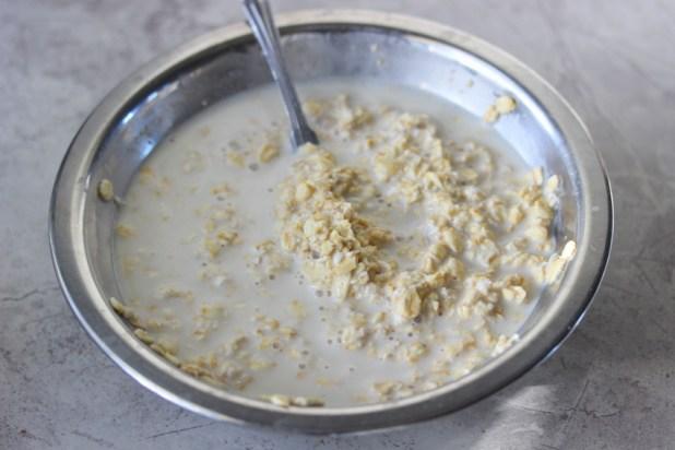 Creamy Oatmeal Porridge With Coconut Sugar