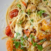 Turntable Tuesdays: roasted tomato, chicken and mozzarella pasta