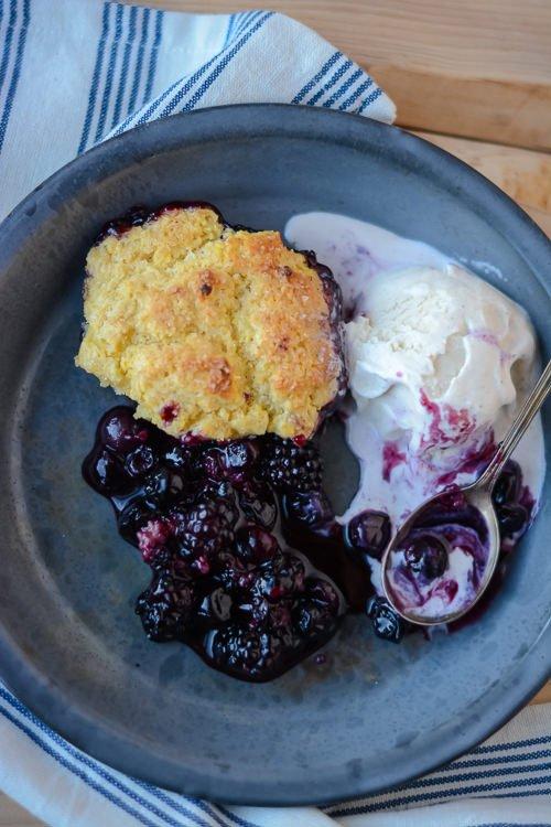 black and blue cobbler, a super simple summertime delight - scalingbackblog.com