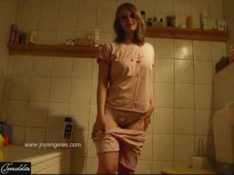 poop pants girl scat