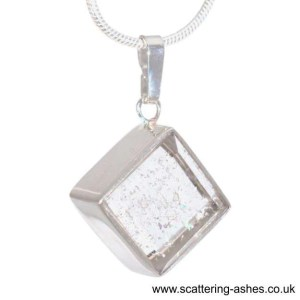 memorial glass sqaure pendant sq