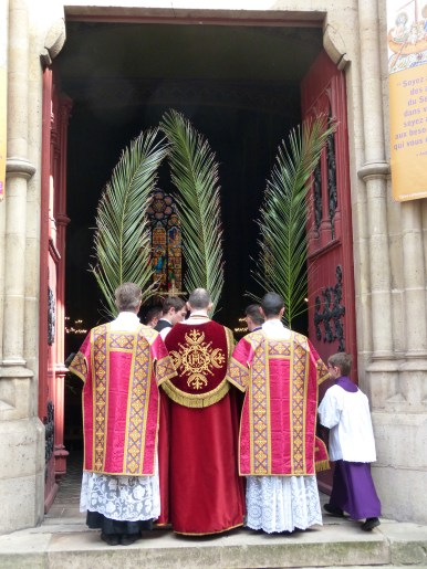 Rameaux 2014 - 19 - ouverture des portes de l'église - Ingrediente Domino