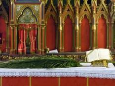 Rameaux 2014 - 2 - l'autel avant la messe