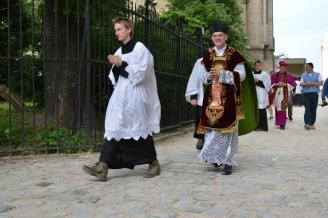 16 - Messe de départ célébrée par M. l'Abbé Iborra dans Notre-Dame-de-Paris - vigile de la Pentecôte - procession de sortie