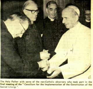 Paul VI avec les observateurs non-catholiques qui prirent part à la dernière rencontre du Consilium pour la liturgie