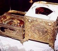 Reliquaires de la main gauche et du chef de sainte Catherine, conservés au monastère du Sinaï