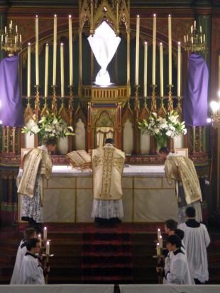 14 - Jeudi Saint 2015 - Confiteor du diacre