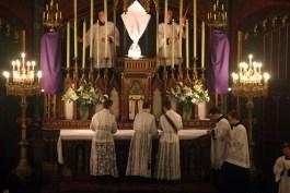 22 - Jeudi Saint 2015 - dépouillement des autels