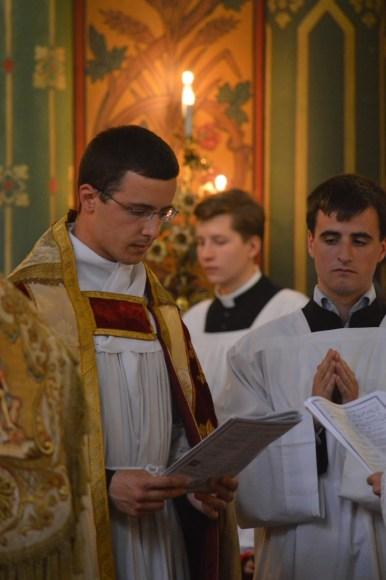 10-Vêpres de la Fête-Dieu devant le Très-Saint Sacrement exposé - l'un des chapiers