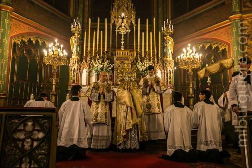 06-Messe d'exposition des Quarante-Heures - départ de la procession du Saint Sacrement