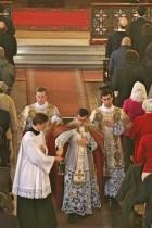 02 - Dimanche du Bon Pasteur 2016 - aspersion des fidèles avant la messe