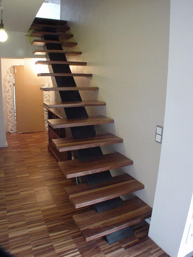 Geradläufige Treppe armin griesbach schreinerei innenausbau treppen