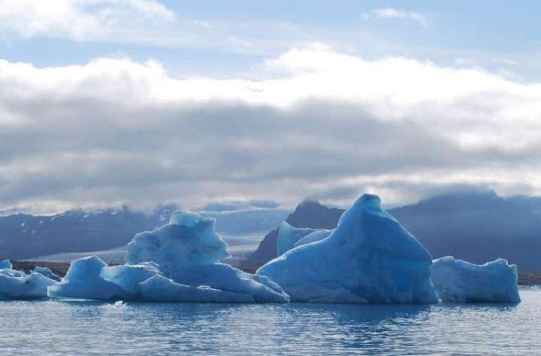 iceberg-701058_1920