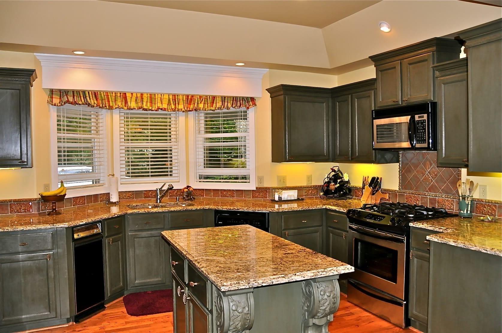 kitchen remodel remodel kitchen kitchen remodel 10 Sell or Remodel Get The Most For The Dollar