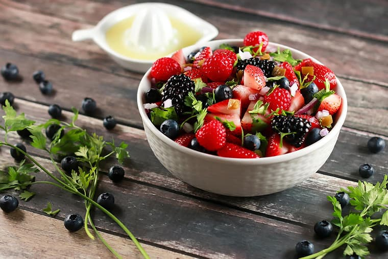 Fresh Summer Berry Salsa - This salad is so delicious yet healthy! It's the perfect summer salad and looks so instagram-able! Have it ready in under 10 mins!!   ScrambledChefs.com