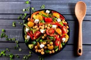 Greek-Chickpea-Salad-_-Scrambled-Chefs-14
