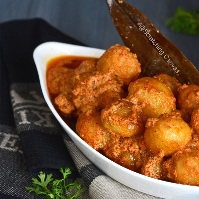 Kashmiri Dum Aloo | Dum Olav | No Onion No Garlic North Indian Aloo Dom