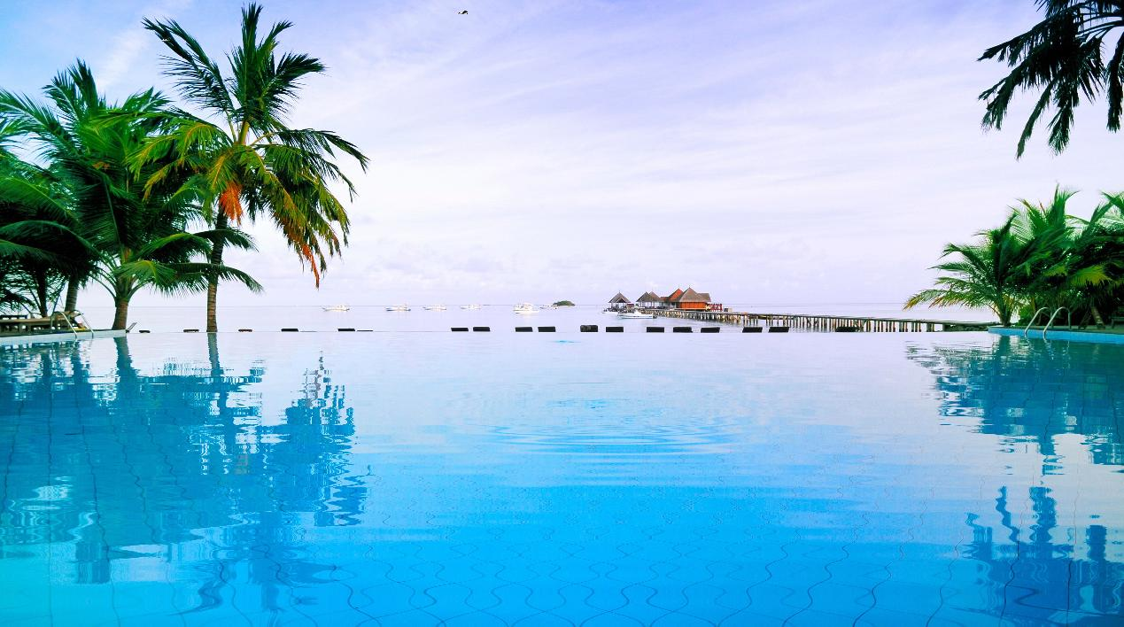 Blue Pool Paradise Screensaver
