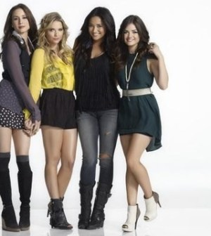 The Pretty Little Liars cast. Photo Cr: ABC FAMILY/MATHIEU YOUNG.