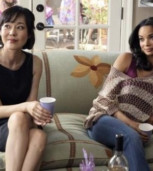 YunJin Kim & Rochelle Aytes. Image by Danny Feld. © ABC Television Network
