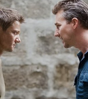 Jeremy Renner (l) and Edward Norton (r) in The Bourne Legacy. © 2012 - Universal Pictures