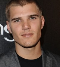 Chris Zylka. American Horror Story Bound.