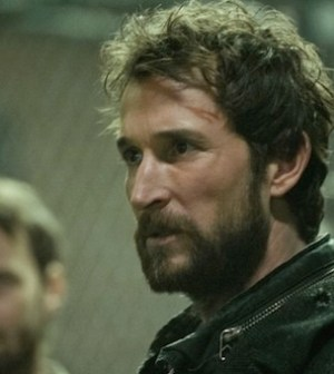 Noah Wyle as Tom Mason in Falling Skies. Image © TNT