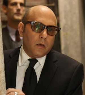 Damian Young as Stringer, Willie Garson as Mozzie -- Photo by Eric Liebowitz/USA Network