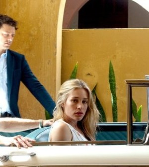 Richard Coyle as Simon, Piper Perabo as Annie -- (Photo by: Bob Gevinski/USA Network)