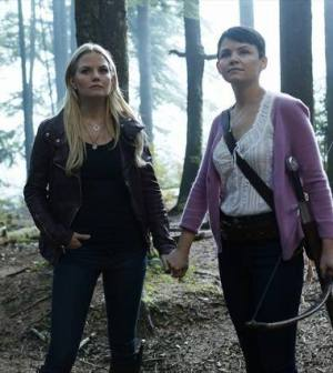 Jennifer Morrison and Ginnifer Goodwin in Once Upon a Time. Image © ABC