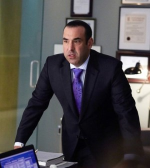 Rick Hoffman as Louis Litt. Image © USA
