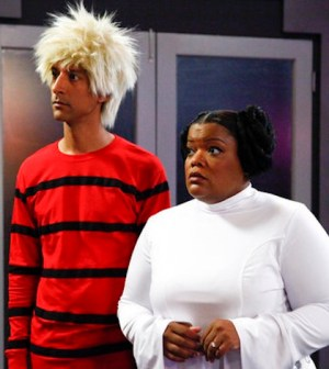 Danny Pudi as Abed, Yvette Nicole Brown as Shirley -- (Photo by: Vivian Zink/NBC)