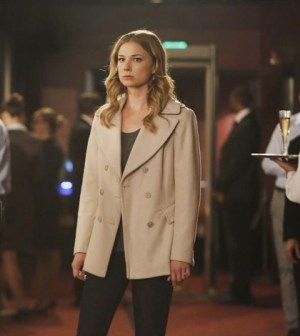 Emily VanCamp as Emily Thorne. Image © ABC