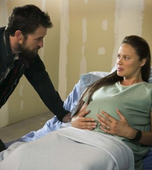 Noah Wyle and Moon Bloodgood in Falling Skies. Image © TNT