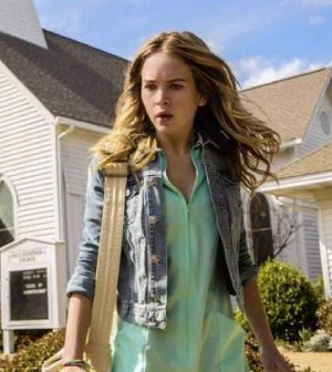 Britt Robertson as Angie on UNDER THE DOME. Photo: Michael Tackett/©2013 CBS