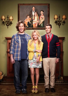 (LtoR) T.J. Miller, Becki Newton, and Scott Foley in The Goodwin Games.  Image © FOX