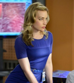 Piper Perabo as Annie (Photo by: Steve Wilke/USA Network)