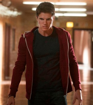 Pictured: Robbie Amell as Stephen. Photo: Barbara Nitke/The CW