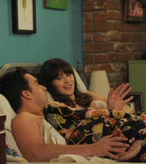 """Jess (Zooey Deschanel, R) and Nick (Jake Johnson, L) in the """"Double Date"""" episode of New Girl. Co.  Cr: Ray Mickshaw/FOX"""