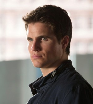 Pictured: Robbie Amell as Stephen. Photo: Jack Rowand/The CW