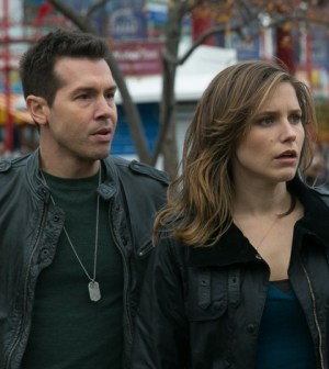 Pictured: (l-r) Jon Seda as Antonio Dawson, Sophia Bush as Erin Lindsay -- (Photo by: Elizabeth Sisson/NBC)