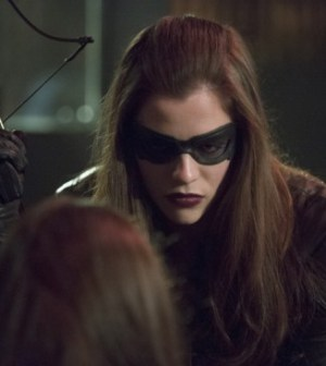 Jessica De Gouw as Huntress. Image © CW Network